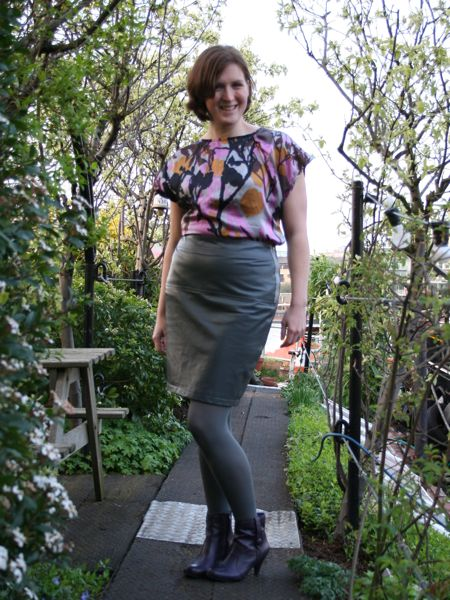 Grey leather pencil skirt – FehrTrade